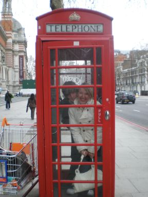 london-phone-booth.jpg